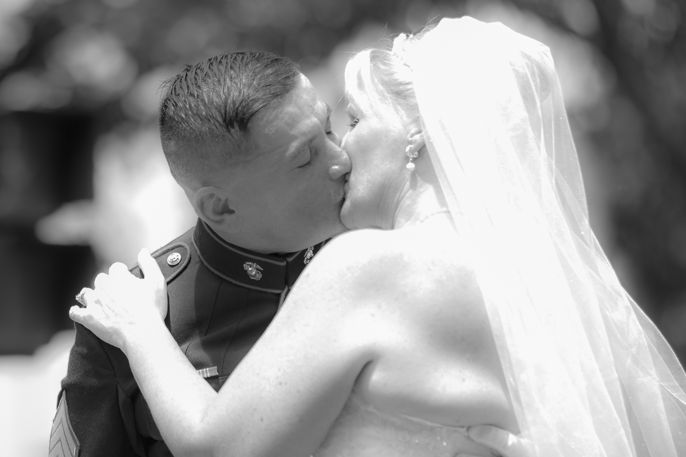 Tim and Lorraine Kissing